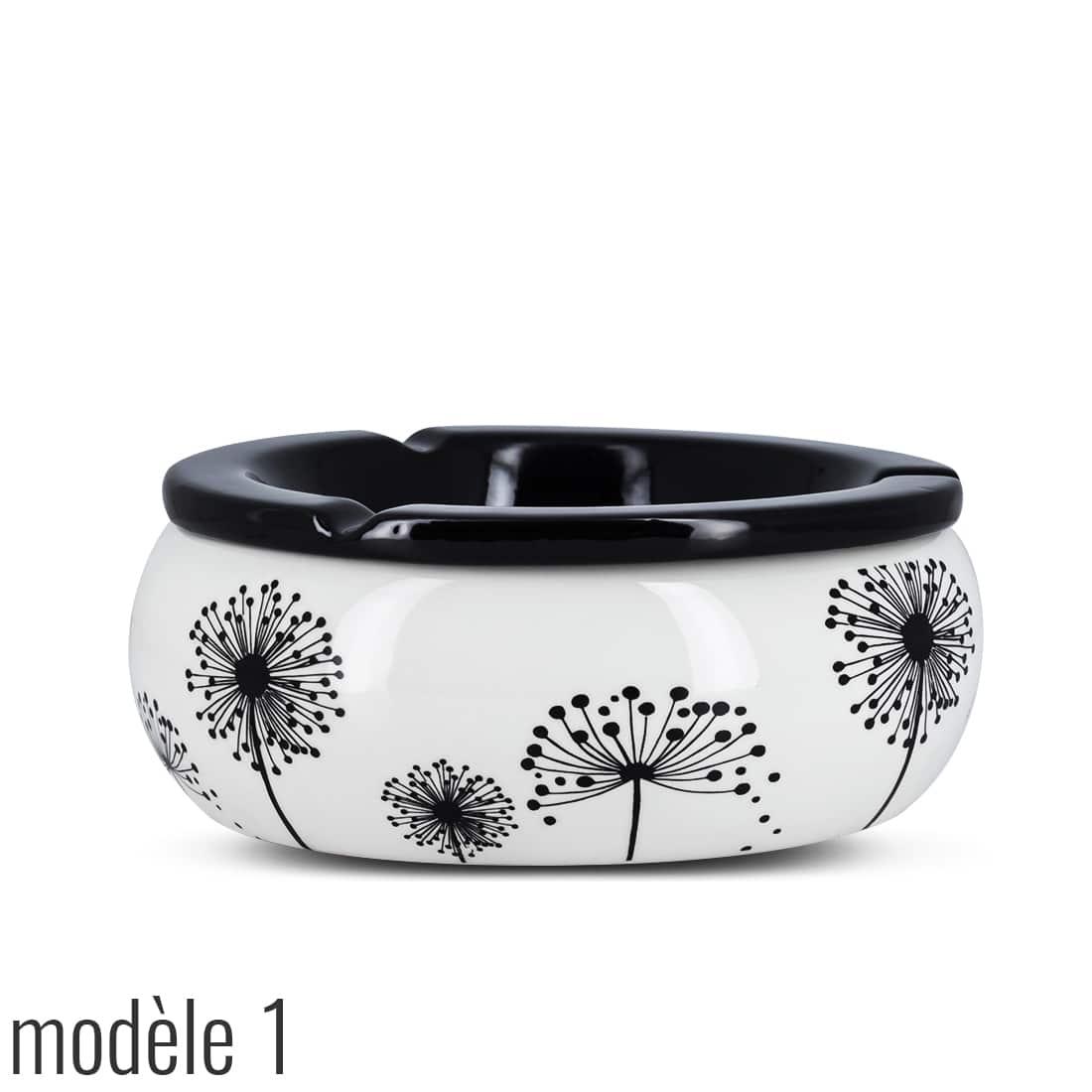 Photo #4 de Cendrier Marocain Décor Floral Noir et Blanc
