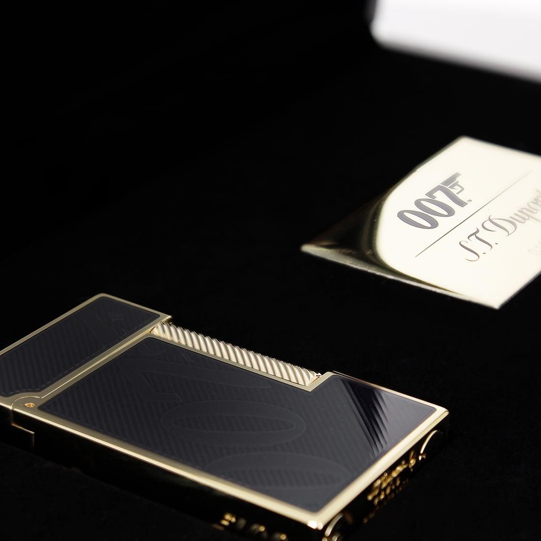 Photo #6 de Coffret Collector Briquet S.T. Dupont Ligne 2 James Bond Noir/Or