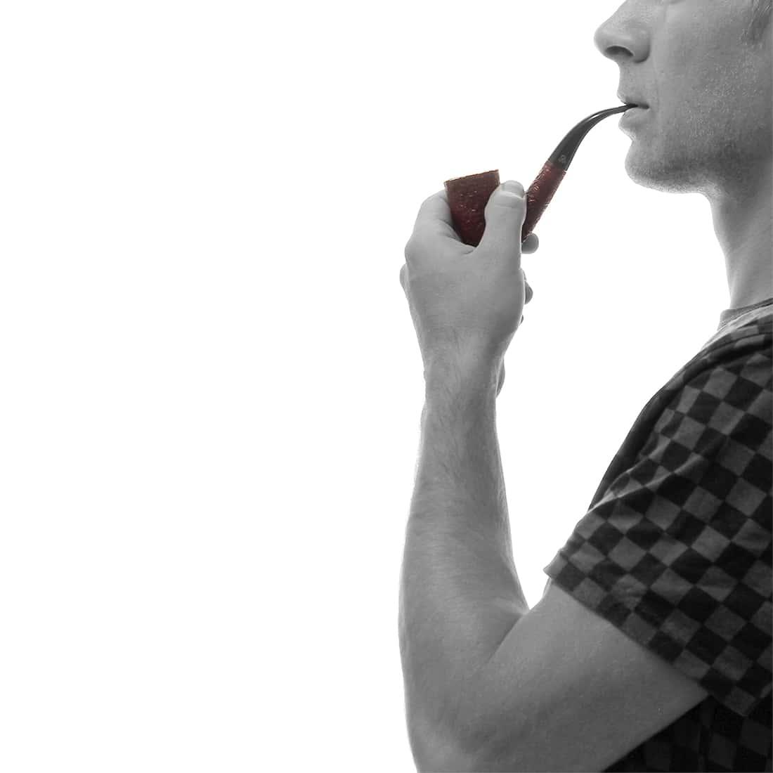 Photo #1 de Pipe de Cogolin Courbée Rouge Sablée